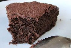 Fitness treats - Healthy Chocolate Cake Ingredients for a small. Chocolate Protein Bars, Gluten Free Chocolate Cake, Chocolate Treats, Healthy Chocolate, Desserts Crus, Desserts Sains, Raw Desserts, Healthy Baking, Healthy Desserts