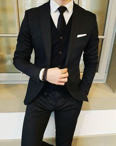 Latest Designs Black Wedding Tuxedos 2019 One Button Shawl Lapel Slim Fit Mens Suits Mens Prom Tuxedos Suits Custom Made Jacket+Pants+Tie Slim Fit Suits Suit… Bal Smoking, Formal Suits, Men Formal, Mens Fashion Suits, Mens Suits, Mens Slim Fit Suits, Suits Uk, Slim Fit Tuxedo, Dress Outfits