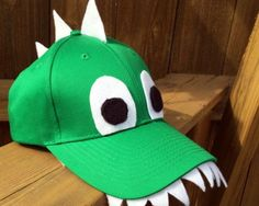 Dinosaur Crafts for Kids: DIY Dinosaur Hat, DIY and Crafts, Dinosaur Crafts for Preschoolers - This DIY Dinosaur Hat for Kids gives kids cutting practice as well as a SUPER COOL Handmade Hat! from Lalymom. Fun Crafts For Kids, Preschool Crafts, Diy For Kids, Hats For Kids, Crazy Hat Day, Crazy Hats, Costume Dinosaure, Dinosaur Halloween Costume, Halloween Costumes