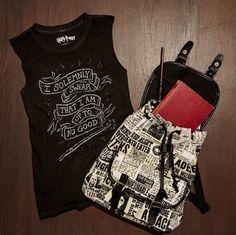 Hogwarts essentials // Harry Potter Backpack & Solemnly Swear Banner Girls Muscle Top