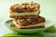 Apple Streusel Cheesecake Bars... easy peasy recipe using Betty Crocker® oatmeal cookie mix, cream chees, and apple pie filling...
