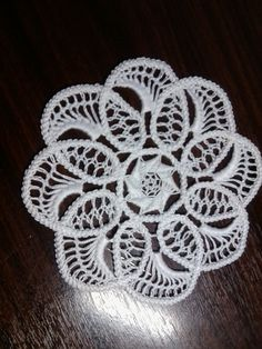This Pin was discovered by Ilo Macrame Patterns, Lace Patterns, Crochet Patterns, Hand Embroidery Patterns, Lace Embroidery, Needle Lace, Bobbin Lace, Crochet Doilies, Crochet Lace