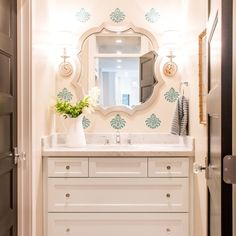 Flower Power - 10 Easy and Inexpensive Ways to Use Flowers in Your Home - Lindsay Hill Interiors Hall Bathroom, Laundry In Bathroom, Bathroom Ideas, Stencil Decor, Hill Interiors, Cheap Bathrooms, Bathroom Styling, Interior Design Services, Interior Paint