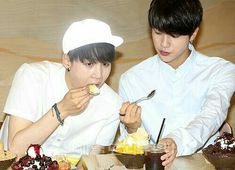 Yoonmin, Bts Jin, Bts Bangtan Boy, Min Suga, Bts Lockscreen, Kpop, Bts Photo, Bts Pictures, Bts Boys