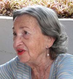 """Para Zabludowsky, quien se desempeñó como """"lererke"""" (maestra) por más de 50 años en el Nuevo Colegio Israelita (Naye Yidisher Shul – 1950 y que en 1953 tomara el nombre de I. L. Peretz), constituyen un punto de inflexión en su actividad como líder de la educación judía en México. Su decisión de participar con el grupo que se separaba del Colegio Israelita de México (La """"Yiddishe"""", 1924) fue tomada con el fin de apoyar al Profesor Abraham Golomb (ca.1886–1982) y a su esposa Rivke Golomb…"""