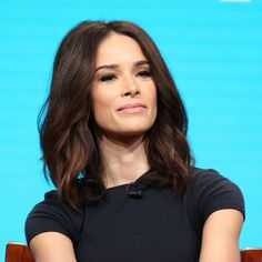 Don't miss Abigail Spencer on The Tonight Show Starring Jimmy Fallon at Abigail Spencer Hair, Jimmy Fallon, How To Feel Beautiful, Cute Hairstyles, Natural Makeup, New Hair, Hair Inspiration, Colour Pop, Color