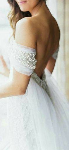 Best Wedding Dresses & Gowns Image Description Gorgeous pearl off-the-shoulder wedding dress detail: Photography : Carla Gates Photography Read More on SMP: Bridal Dresses, Wedding Gowns, Backless Wedding, Ballroom Wedding, Tulle Wedding, Boho Wedding, Perfect Wedding, Dream Wedding, Wedding Things