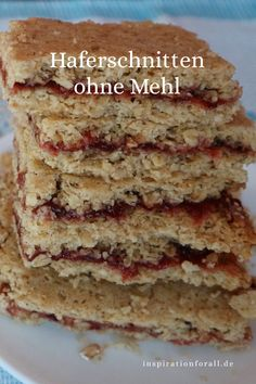 Haferschnitten mit Marmelade – veganes Rezept ohne Mehl Vegan oat slices with jam and without flour simple recipe for oat slices # Oat slices # Oat slices recipe Healthy Eating Tips, Healthy Snacks, Recipe Without Flour, Oat Slice, Vegetable Drinks, Chocolate Chip Oatmeal, Vegan Breakfast, Creme Brulee, Vegan Recipes