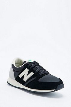 New Balance 420 Suede Runner Trainers in Black