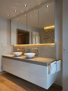 Vanity mirror, white bowl