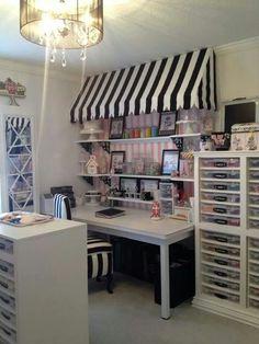 DIY Craft Room Organization Ideas for Small Spaces - Craft Storage Craft Room Storage, Craft Room Decor, Craft Room Design, Sewing Room Organization, Organization Ideas, Diy Storage, Organizing, Craft Desk, Storage Units