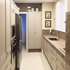 Cozinha delicada e linda by @jakemunero. Amei@pontodecorSnap:  hi.homeidea  http://ift.tt/23aANCi #bloghomeidea #olioliteam #arquitetura #ambiente #archdecor #archdesign #cozinha #kitchen #arquiteturadeinteriores #home #homedecor #pontodecor #lovedecor #homedesign #instadecor #interiordesign #designdecor #decordesign #decoracao #decoration #love #instagood #decoracaodeinteriores #lovedecor #architecture #archlovers #inspiration #project #inspiracaododia