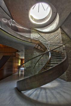 Sculptural aesthetic in an unusual Phoenix home. Swaback Partners.