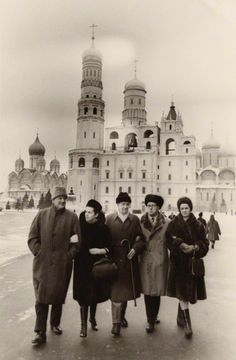 Peter Pears, Galina Vishnevskaya, Benjamin Britten, Mstislav Rostropovich and Marion Harewood