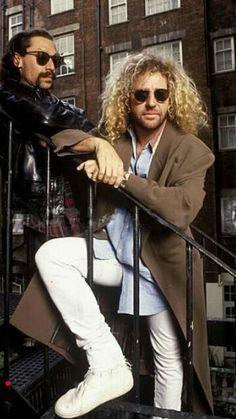 Al n Sammy Van Halen 2, Eddy Van Halen, Alex Van Halen, Music Beats, Rap Music, Soul Music, Best Rock Bands, Rock And Roll Bands, Brent Smith Shinedown