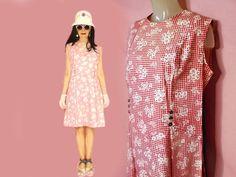 Plus Size Vintage Mod Dress XL Cute Red Gingham Summer Cotton Drop Waist Shift by LunaJunctionVintage on Etsy Anti Fashion, Don Johnson, 60s Mod, Plus Size Vintage, Red Gingham, Dress Socks, Hippie Outfits, Mod Dress, Hippie Style