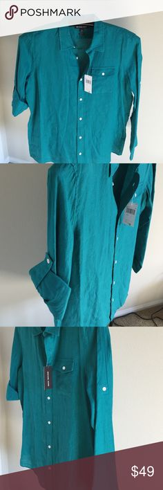 Michael Kors Linen Sportshirt / New Emerald color is the best way to describe it, button-down Classic in soft lightweight linen, long sleeves with buttoned cuffs and a tailored fit size L Michael Kors Shirts Casual Button Down Shirts