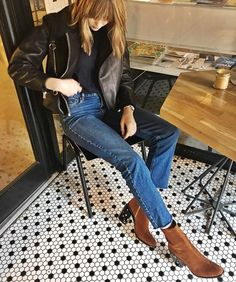 Elegant mid-calf boots Only a few left, be quick Description The SPIRIT boots are a cult favourite, featuring an elegant slim-line silhouette, grounding block heel and minimal aesthetic. Hand-crafted