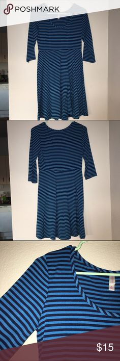 Stripped Dress Blue and Navy blue stripped dress. 3 quarter sleeve length. Great fit and flowy bottom. Super comfy casual dress🤗 Xhilaration Dresses
