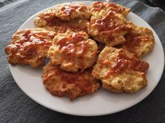 Túrós-zabpelyhes sajtos tallér Salty Snacks, Healthy Sweets, Light Recipes, Cake Cookies, Tapas, Paleo, Food And Drink, Diet, Chicken