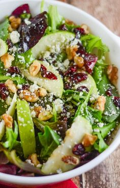 This Apple Walnut Cranberry Salad includes a Mixed Green Spinach Salad with Green Apples, Dried Cranberries, Walnuts and Gorgonzola Cheese. This salad explodes with flavor. Easy Salad Recipes, Easy Salads, Healthy Salads, Summer Salads, Vegetarian Recipes, Healthy Eating, Cooking Recipes, Healthy Recipes, Vegetarian Options
