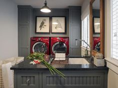 Love the gray and red laundry!