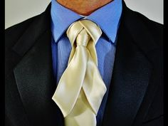 The Trompa Knot : How to tie a tie Cool Tie Knots, Cool Ties, Formal Attire For Men, Men Formal, Dandy, Tie A Necktie, Necktie Knots, Tuxedo For Men, Suit And Tie