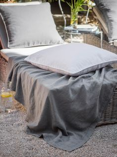 Linen Throw Hemstitch.Our Linen Hemstitch Throw with a classic hemstitch border is light in weight and perfect to to add softness and texture to a bed as well as to become an impromptu picnic blanket or wrap for cooler days. #thelinenworks #linen #throws #outdoorliving #summer #bedlinen #naturalhome