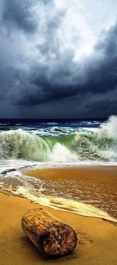 Plage avec vague