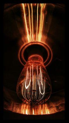 Electricanna. Photographer: Dan Villeneuve