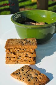 Ciast.Co: Krakersy gryczane z czarnuszką Bread Rolls, Gluten Free Recipes, Cornbread, Free Food, Baking, Ethnic Recipes, Breads, Fit, Glutenfree