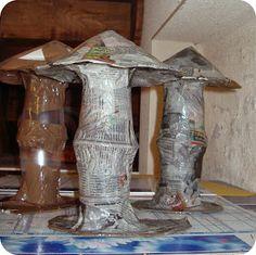 des champignons tout mignons !   Un petit tuto pour fabriquer des champignons en papier mâché.  Tout d'abord, réunir le matériel qu'il vo...