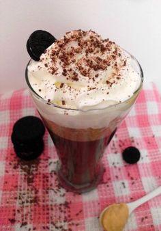 Chocolate Quente de Caramelo e Oreo