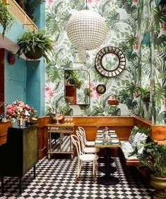 @KenFulk and @DeLaGrammar joined forces to design the tropical-themed @LeosOysterBar in San Francisco, festooned with custom foliage-patterned wallpaper. : Douglas Friedman @thefacinator. @sandow