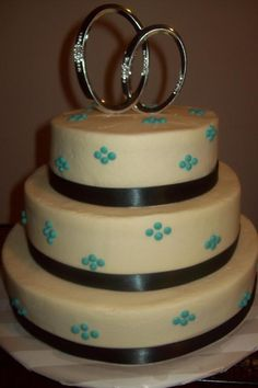 Engagement Party Cake - have hearts instead of dots Engagement Cakes, Engagement Parties, Beautiful Cakes, Amazing Cakes, Our Wedding, Dream Wedding, Wedding Ideas, Fashion Cakes, Party Entertainment