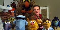 Jason Segel and THE MUPPETS. OH MY GOD.