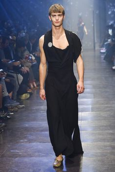 Andreas Kronthaler for Vivienne Westwood Spring 2016 Ready-to-Wear Fashion Show