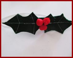 Merry Berry Bow Tie | AllFreeHolidayCrafts.com I want one & need one !