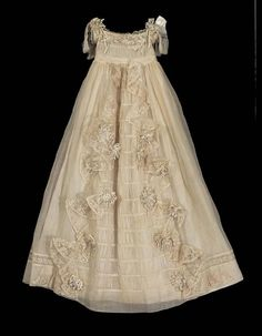 1843 French Christening gown at the Museum of Fine Arts, Boston - worn by Prince Constantin Belosselsky-Belozersky, who was a member of a Russian aristocratic family. Baby Christening Gowns, Baptism Dress, Vintage Outfits, Vintage Fashion, Vintage Baby Dresses, Blessing Dress, Baby Gown, Communion Dresses, Linens And Lace