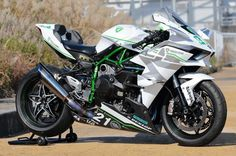 Trick Star White Kawasaki H2R 385km/h 239.9 mph - Notey - Gearheads