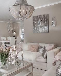 A Shabby Chic Living Room – Decorating On a Budget – Shabby Chic Talk Fancy Living Rooms, Living Room Decor Cozy, Shabby Chic Living Room, Home Decor Bedroom, Home Living Room, Interior Design Living Room, Living Room Designs, Glam Bedroom, Kitchen Interior