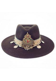 37 beste afbeeldingen van hoeden - Boho fashion 9d19f68df15