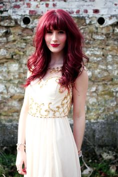This seasons embellishments are big, and oh so pretty for spring! Uk Fashion, Vintage Fashion, Fashion Outfits, Red Hair With Bangs, Hairstyles With Bangs, What I Wore, Sparkles, Embellishments, Personal Style