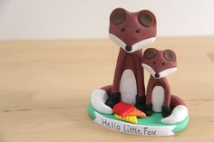 Hey, I found this really awesome Etsy listing at https://www.etsy.com/listing/175961164/mommy-and-baby-fox-keepsake-cake-topper