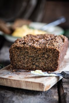 Low-carb, gluten-free and high in good fats. This bread is made with milled flax and is ideal for those on a keto/paleo diet. Quick Bread Recipes, Baking Recipes, Paleo Recipes, Free Recipes, Baking Tins, Bread Baking, Grass Fed Gelatin, Chocolate Babka, Grain Free Bread