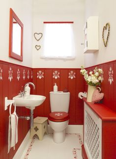 Bathroom Red Photo