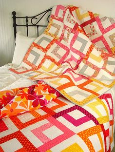 SpringLeaf Studios/love the bright, fresh feeling of this quilt
