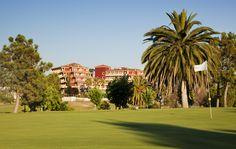 Estamos situados junto al campo de #golf #Guadiana y a escasos kilómetros de Badajoz. ILUNION Golf Badajoz es tu hotel.