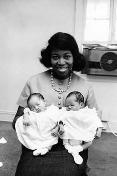 Betty Shabazz, Vintage Black Glamour, Black History Facts, African Diaspora, African American Women, African Americans, Black Pride, Portraits, African American History