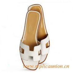 04fe79cae383 9 Best Original Design Hermes Oran Sandals and Slippers for Women ...